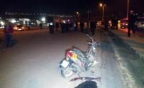 ERSİN ARSLAN - Gaziantep'te Motosiklet İle Otomobil Çarpıştı Açıklaması 2 Ölü