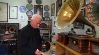 ORHAN GENCEBAY - Bu Da Gramofon Ve Taş Plak Müzesi