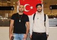 YILDIZ FUTBOLCU - Real Madridli Yıldız Futbolcuya İstanbul'da Yoğun İlgi