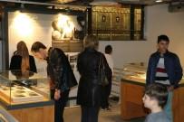KAĞIT FABRİKASI - Türkiye'nin Hafızası Kağıt Müzesi'ne İlk Günden İlgi Yoğun Oldu
