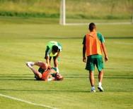SERÇE PARMAĞI - Bursaspor Revire Döndü, 11 Oyuncuda Sakatlık Sorunu