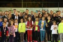 MESUT ÖZAKCAN - Cumhuriyet Kupası Tenis Turnuvası Ödül Töreni Yapıldı