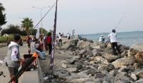 BALIK TUTMAK - İskenderun'da Olta Balıkçıları Yarıştı