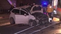 E-5 KARAYOLU - Otomobil Metrobüs Üst Geçidine Çarptı Açıklaması 1 Ölü