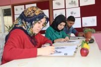 EBRU SANATı - Türk El Sanatları Kursuna Büyük İlgi