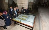 VEDAT YıLMAZ - Elazığ Valisi Zorluoğlu Tarihi Mekanları Gezdi