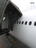 TAHRAN - İran Uçağı Esenboğa'da Körüğe Çarptı