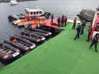 DENİZ POLİSİ - İstanbul'da Denizde Kadın Cesedi Bulundu