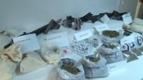 SÜRÜCÜ BELGESİ - İstanbul'da Uyuşturucu Ve Silah Ele Geçirildi