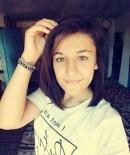 AYŞE ŞAHİN - Kaçırıldığı Kişi Tarafından Öldürülen 17 Yaşındaki Ayşe Şahin Toprağa Verildi