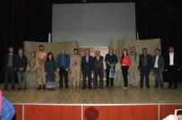 AKŞEHİR BELEDİYESİ - Akşehir'de, 'Karanfil Kokusu' Tiyatro Oyunu Sahnelendi