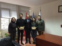 SUI GENERIS - Anadolu Üniversitesi Hukuk Fakültesi Tiyatro Topluluğu Sui Generis'e 2 Ödül