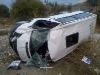 ÖĞRENCİ SERVİSİ - Batman'da Trafik Kazası Açıklaması 8 Yaralı