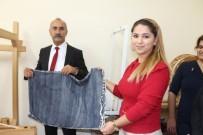 EL EMEĞİ GÖZ NURU - Kursiyerlerden Başkan Culha'ya İpek Şal