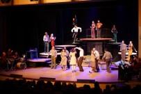 BEYAZ PERDE - 'Rumuz Goncagül' Oyunu Büyük Beğeni Topladı