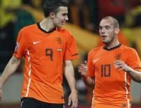 ROBİN VAN PERSİE - Van Persie ve Sneijder birbiriyle atıştı