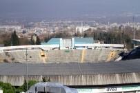 YIKIM ÇALIŞMALARI - 68 Yıllık Stadyum Tarihe Gömülüyor