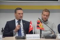 MODERATÖR - Alpay Özalan Ve Ruud Boffin İle 'Futbola Dair'