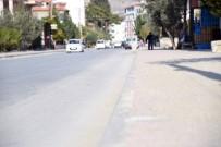 ŞEBEKE HATTI - Büyükşehir'den Mut'ta Yol Ve İçme Suyu Çalışmaları
