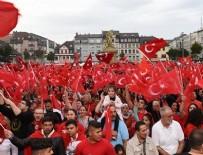 RUHİ AÇIKGÖZ - Avrupalı Türkler meydanlara çıkıyor