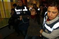 İZİNSİZ GÖSTERİ - Samsun'da İzinsiz Cinsel İstismar Protestosuna 12 Gözaltı