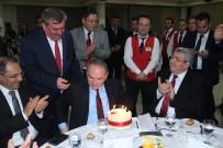 FARUK ÇATUROĞLU - Bakan Faruk Özlü'ye Doğum Günü Sürprizi