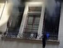 YANGıN YERI - Göç merkezinde yangın çıktı