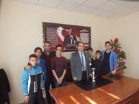 MURAT YILMAZ - Malazgirt Alparslan Ortaokulu Öğrencilerin Atletizm Başarı
