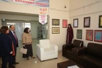 İSMAIL USTAOĞLU - Vali Ustaoğlu Eşiyle Birlikte Bayburtlu Kadınlar Derneği'ni Ziyaret Etti