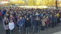29 EKİM CUMHURİYET BAYRAMI - Başkan Akcan'dan Şiir Yarışmasında Birinci Olan Öğrenciye Ödül
