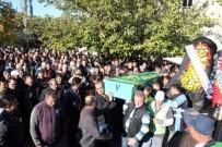 TEMİZLİK İŞÇİSİ - Çöp Kamyonunun Presine Sıkışan İşçi Hayatını Kaybetti