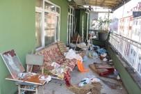 ŞİZOFRENİ HASTASI - Kocaeli'de Bir Evden 3 Kamyon Dolusu Çöp Çıktı