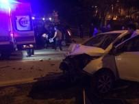 TEPE LAMBASI - Çanakkale'de Trafik Kazası; 3 Yaralı