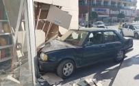 ŞELALE - Hızını Alamayan Otomobil İş Yerine Daldı