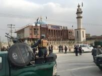 TALIBAN - Kabil'de Şii Camisine İntihar Saldırısı Açıklaması 27 Ölü