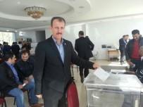 ÇARŞAF LİSTE - Kadir Özşahin Yeniden Başkanlığa Seçildi