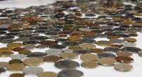 TÜRKMENISTAN - Vanlı Koleksiyoncu Dünyanın Parasını Bir Arada Topluyor