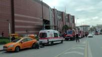 ALTUNIZADE - Üsküdar'da AVM'de Meydana Gelen Yangın Paniğe Neden Oldu