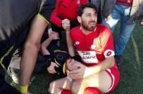 HAKAN ATEŞ - Amatör Maçta Yumruklar Konuştu, Futbolcunun Kolu Kırıldı