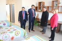 SEYRANI - Develi Kaymakamı Duru Ve Belediye Başkanı Cabbar, Öğrencilerle Bir Araya Geldi