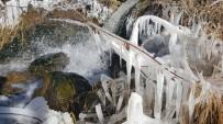 DERE YATAĞI - Dondurucu Soğukla Gelen Güzellik
