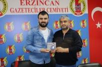 SALİH TURHAN - Hüseyin Alan Yeni Türkü Albümü 'Ömrüm' İle Müzik Piyasasında
