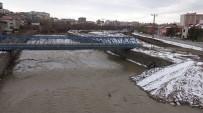 ULAŞTIRMA DENİZCİLİK VE HABERLEŞME BAKANI - Islah Edilen Kars Çayı'na Şehir Kanalizasyonu Akıyor