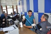 İŞ SAĞLIĞI VE GÜVENLİĞİ KANUNU - Manisa'da Valilik Personeline Sağlık Taraması