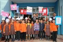 DİŞ FIRÇALAMA - Bayrampaşa Belediyesi Öğrencilere 20 Bin Adet Diş Bakım Seti Dağıttı