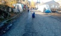 SIBIRYA - Buz Tutan Caddelerde Kızak Keyfi