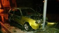 Milas'ta Direğe Çarpan Otomobil Yandı