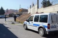 YAKıNCA - Silahlı Kavgada 1 Kişi Yaralandı