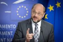 AP Başkanı Schulz'dan yeni karar