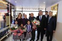 OKUL ÇANTASI - Belediye Başkanı Hasan Kara, Öğretmenlerle Bir Araya Geldi